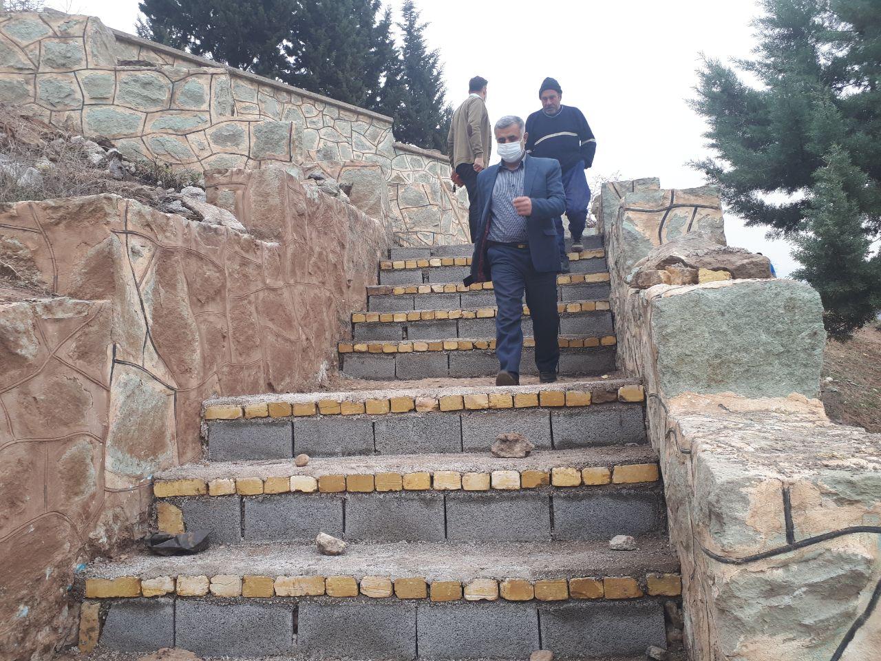 طرح نهال کاری، ایجاد پله، فضا سازی و زیباسازی پارک کوهستان شهر لوشان به همت عوامل اجرایی شهرداری اجرایی شد